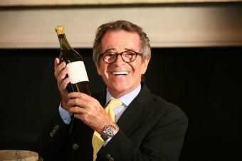 Le Vin Blanc Le Plus Cher Du Monde Vendu 85 700 Euros Planet