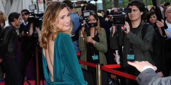 Les 10 looks les plus sexy de Julie Gayet
