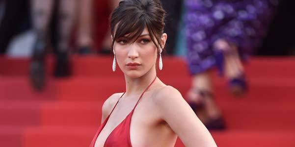 Cannes : Bella Hadid, LA star qui met le feu avec sa robe très (très) fendue