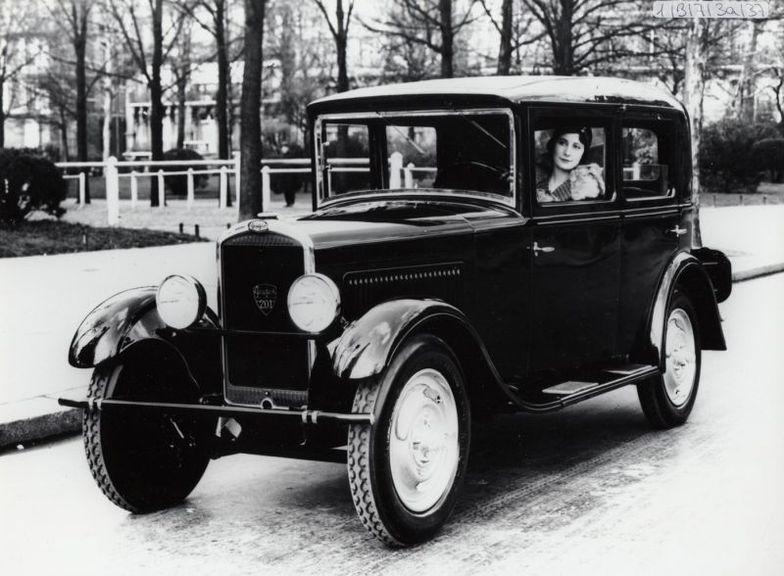peugeot 100 ans d 39 innovations automobiles planet. Black Bedroom Furniture Sets. Home Design Ideas