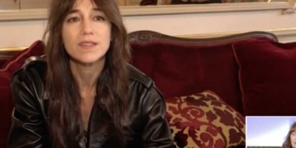 VIDEO Jane Birkin très émue : la belle déclaration d'amour de sa fille Charlotte Gainsbourg